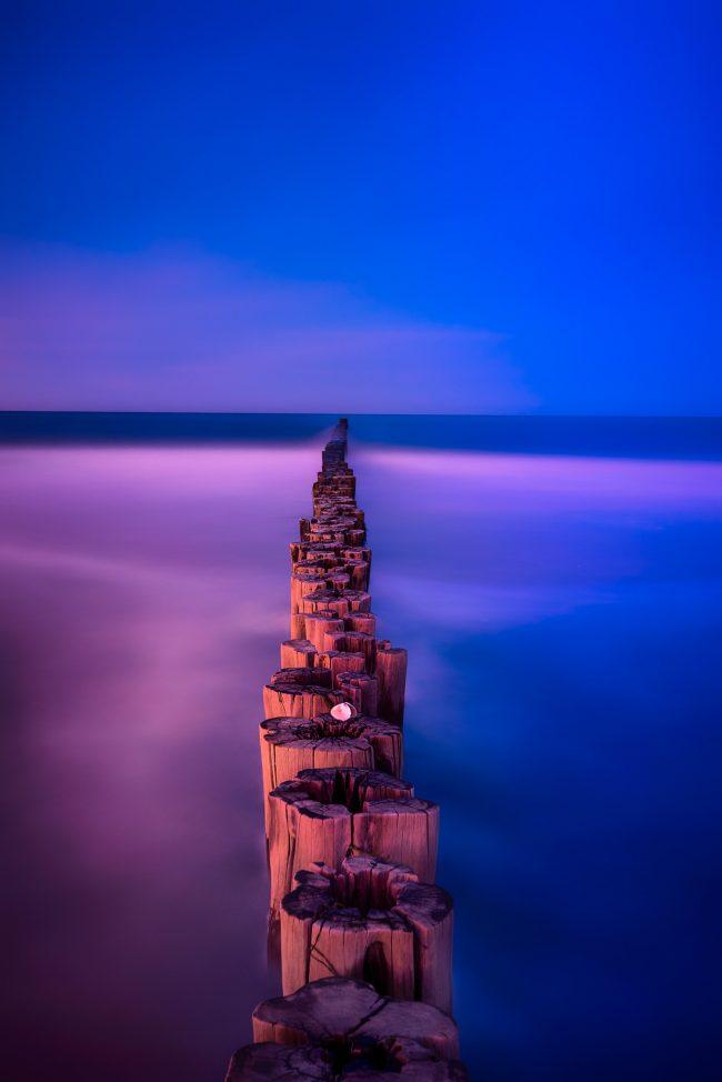 Abstrakte Buhnen an der Ostsee