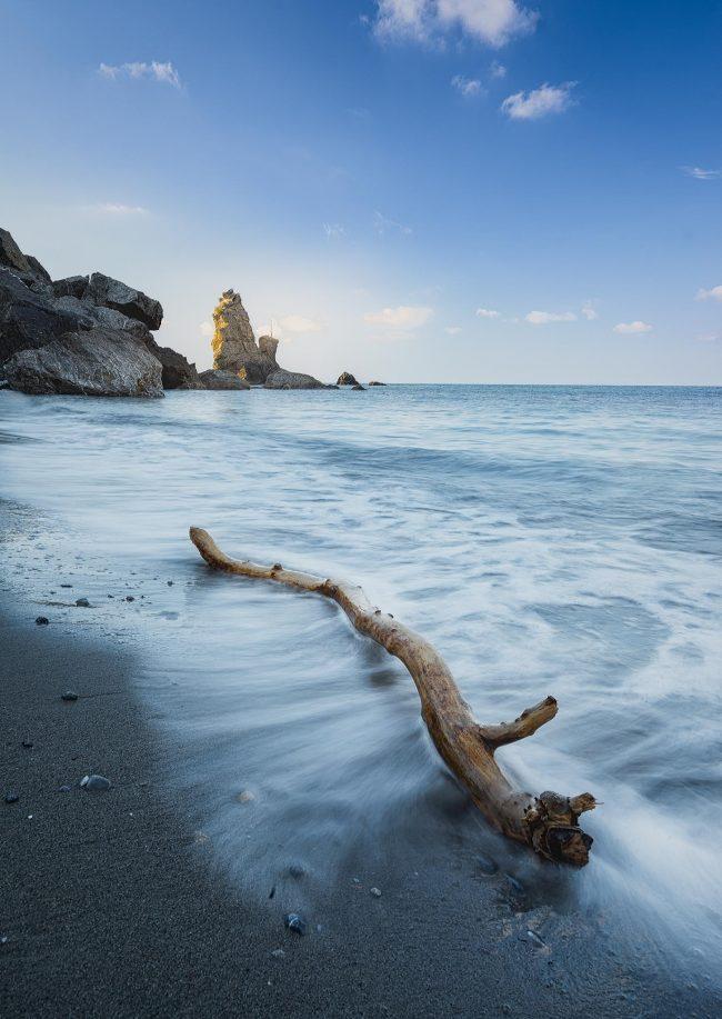 Strandgut am Metochi Beach auf Euböa in Griechenland