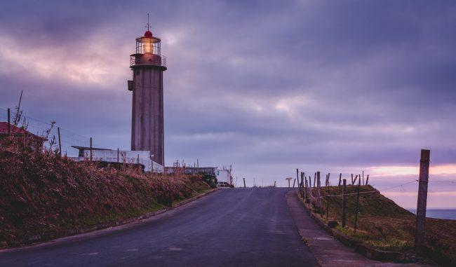 Ein Leuchtturm auf Sao Miguel Azoren.
