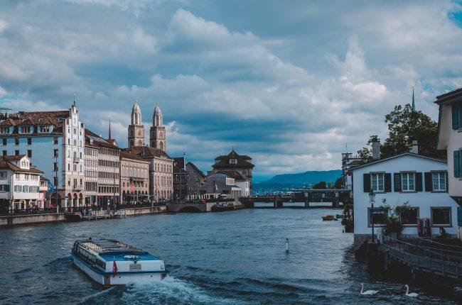 Dramatische Wolken über Zürich