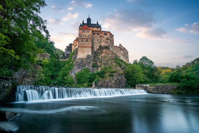 Burg Kriebstein in Sachsen zum Sonnenuntergang.