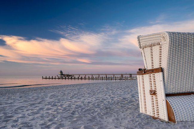 Strandkorb am Strand von Zingst.
